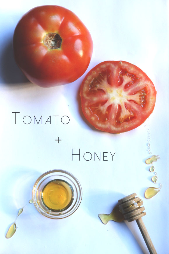 Tomato and honey for clear skin