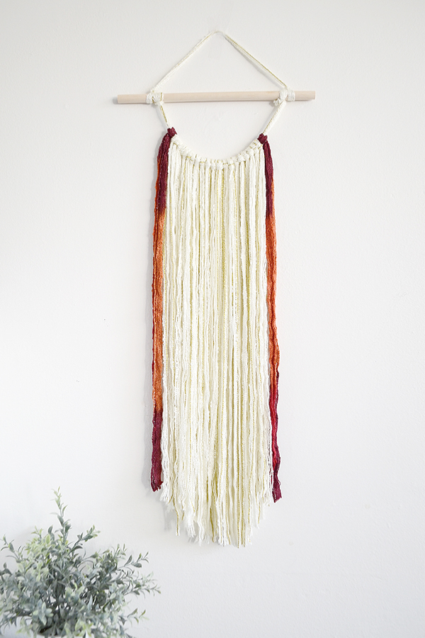 Yarn wall hanging simple