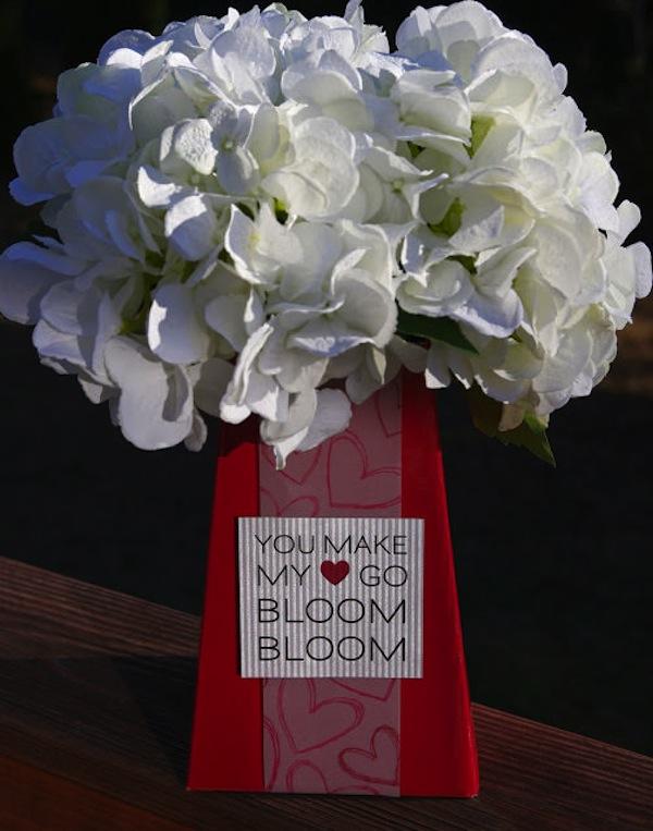 Blooming valentine centrepiece