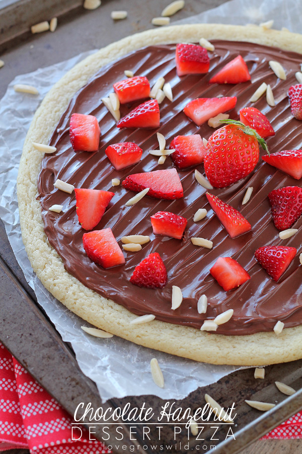 Chocolate hazelnut dessert pizza