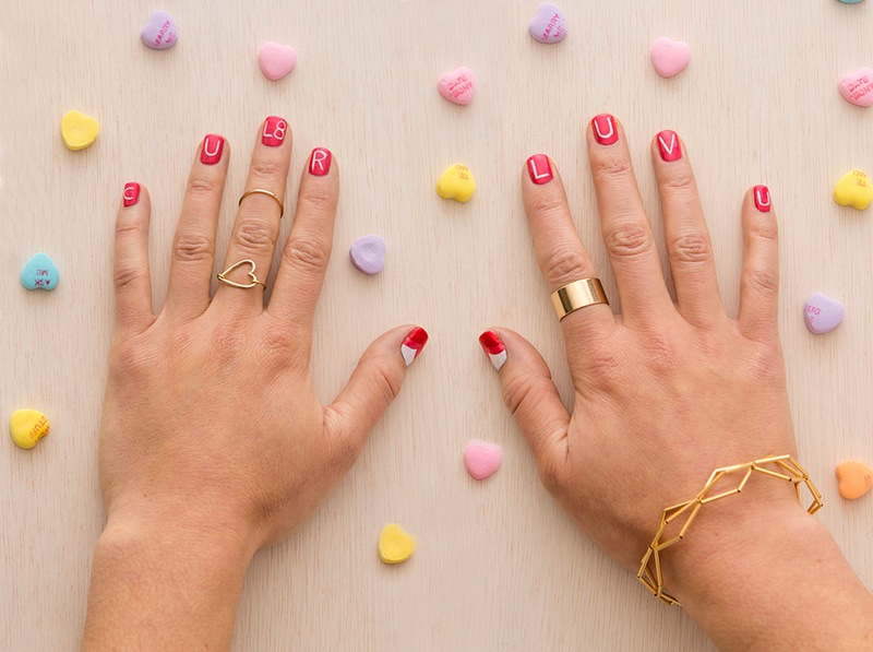 20 valentines day nails that make the most charming manicure conversation vday nails solutioingenieria Choice Image
