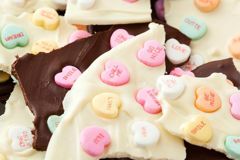 Diy chocolate valentine's day bark