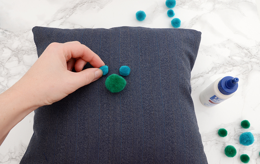 Diy pom pom throw pillow step 5