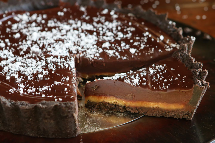 Dark chocolate salted caramel oreo pie recipe 01