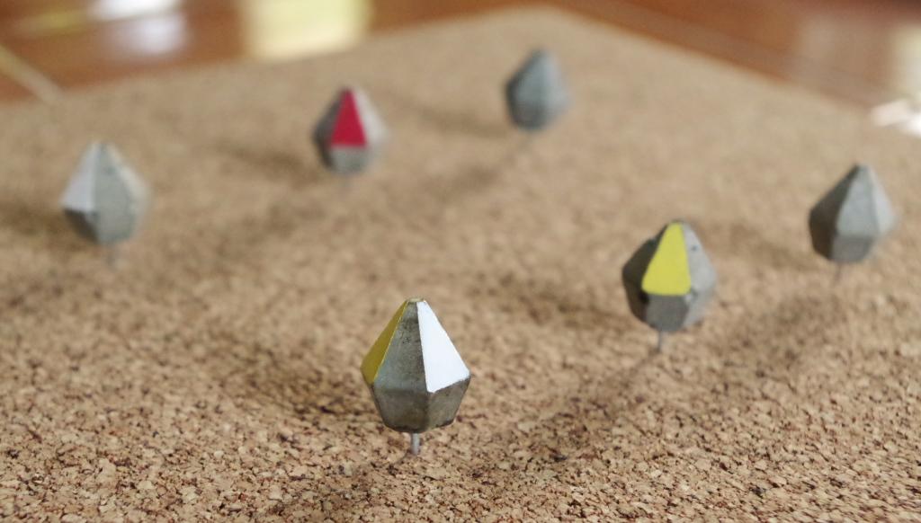 Diamond cement pushpins