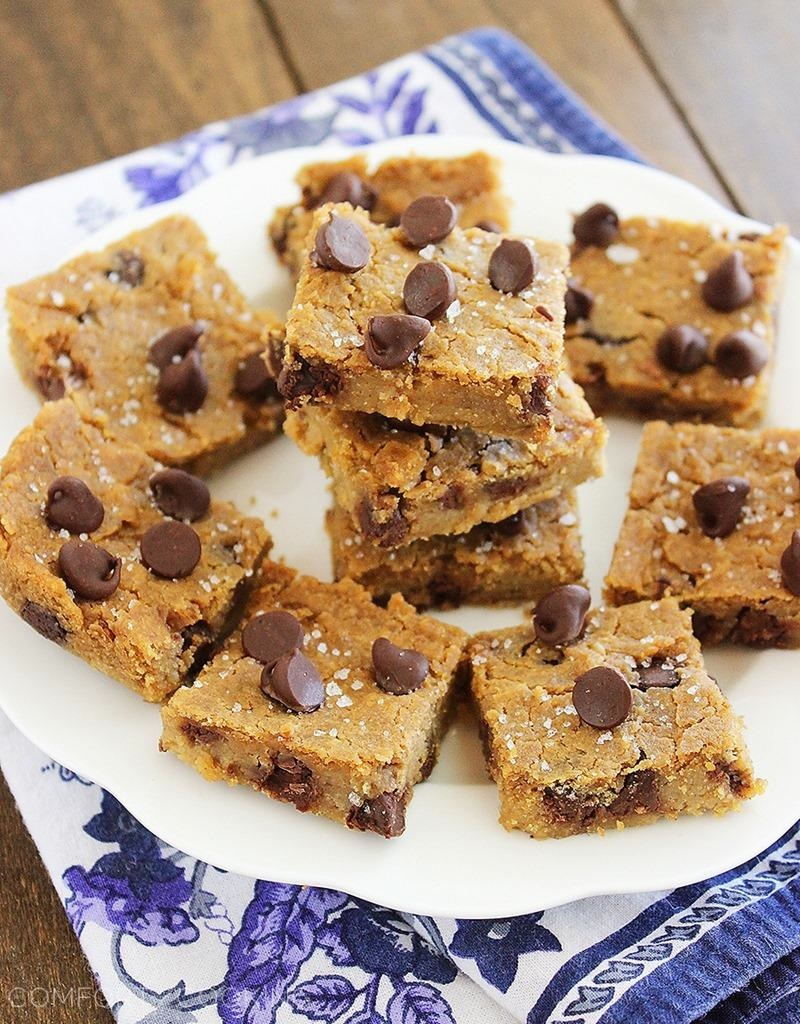 Flourless chocolate chickpea blondies with sea salt