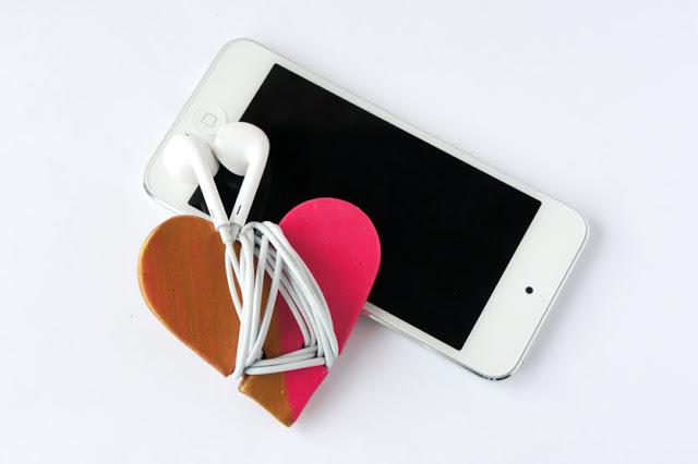 Diy heart headphone cord wrap