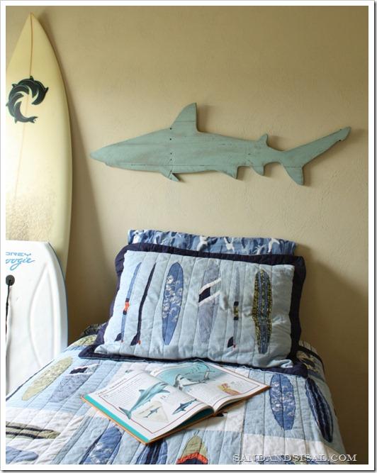 Diy pallet shark wall art