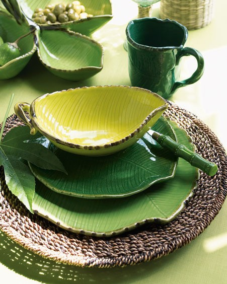 Leaf shapes dish set