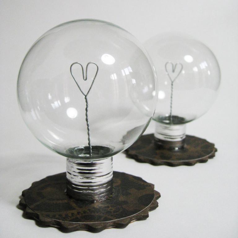 Love light bulb lamp