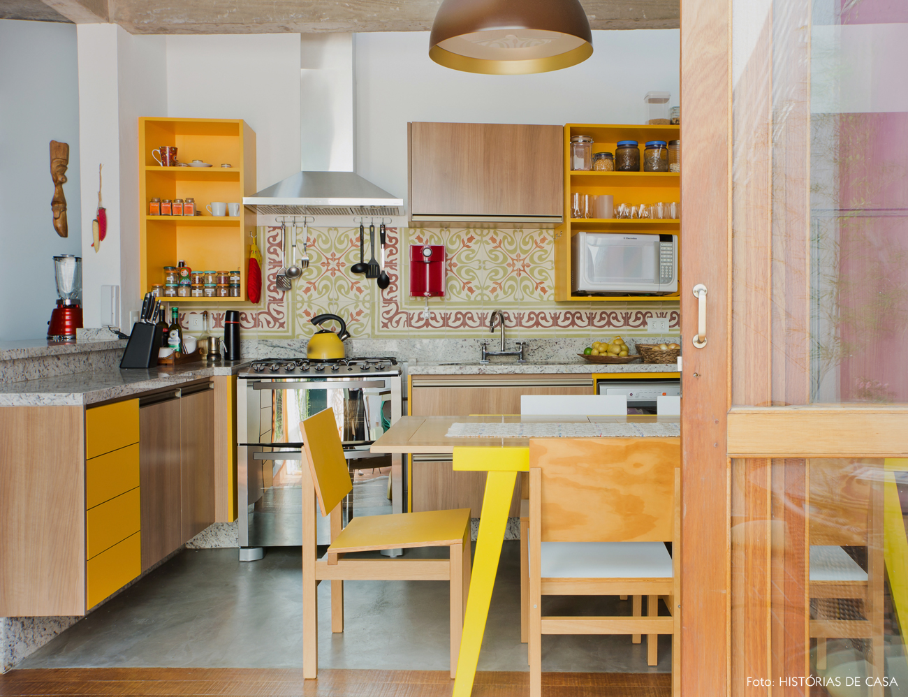 Mustard yellow wallpaper kitchen