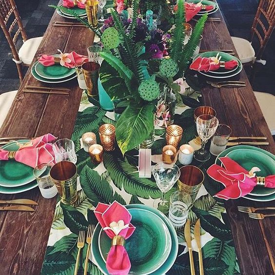 Tropical leaves tablescape