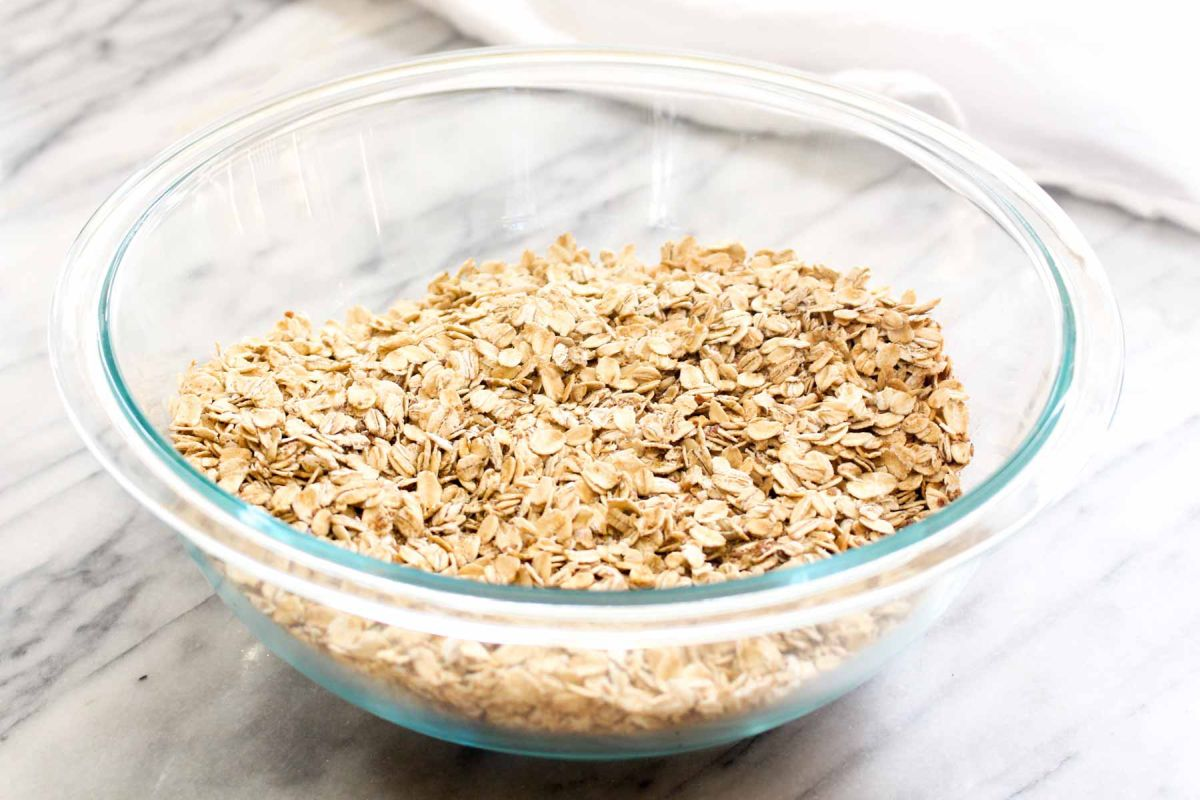 Banana berry baked oatmeal whisk rolled oast
