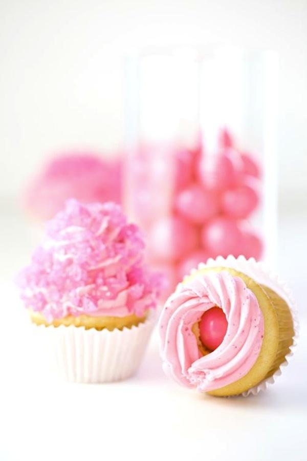 Bubblegum surprise cupcakes