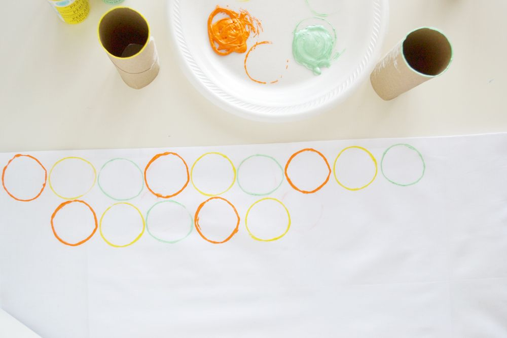 Circle stamped napkins modern design