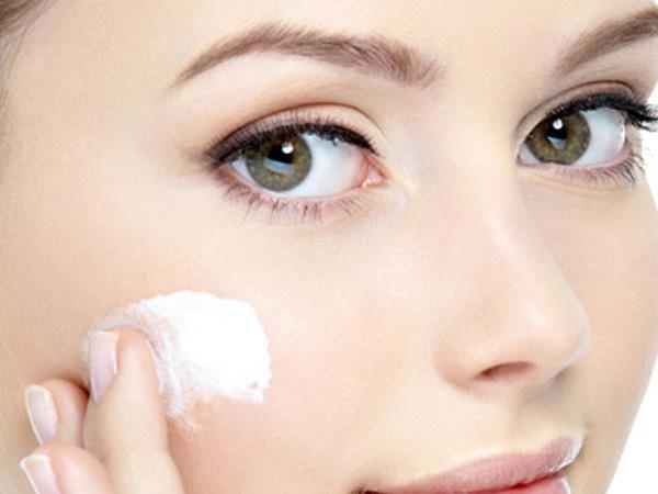 Coconut oil cheek bone highlighter