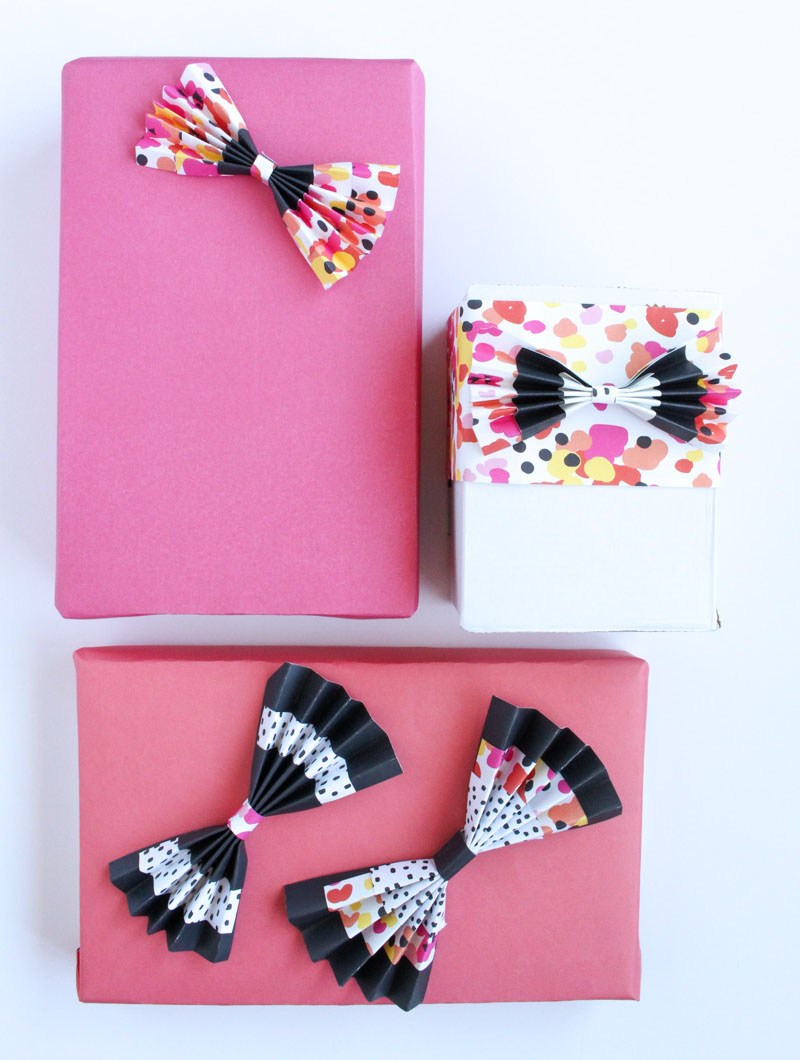Colorful accordian bows