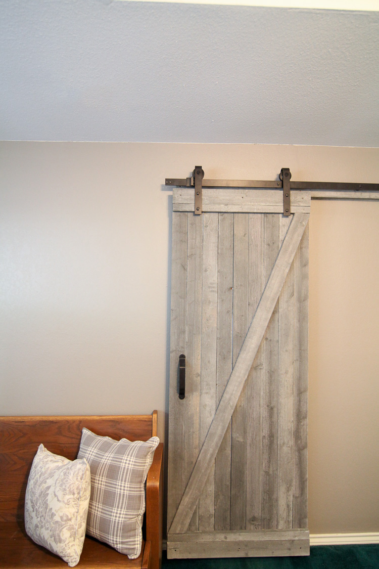 21 diy barn door projects for an easy home transformation. Black Bedroom Furniture Sets. Home Design Ideas