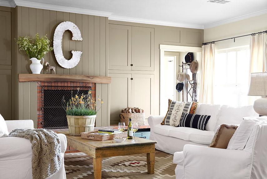 Family initial fireplace decor idea
