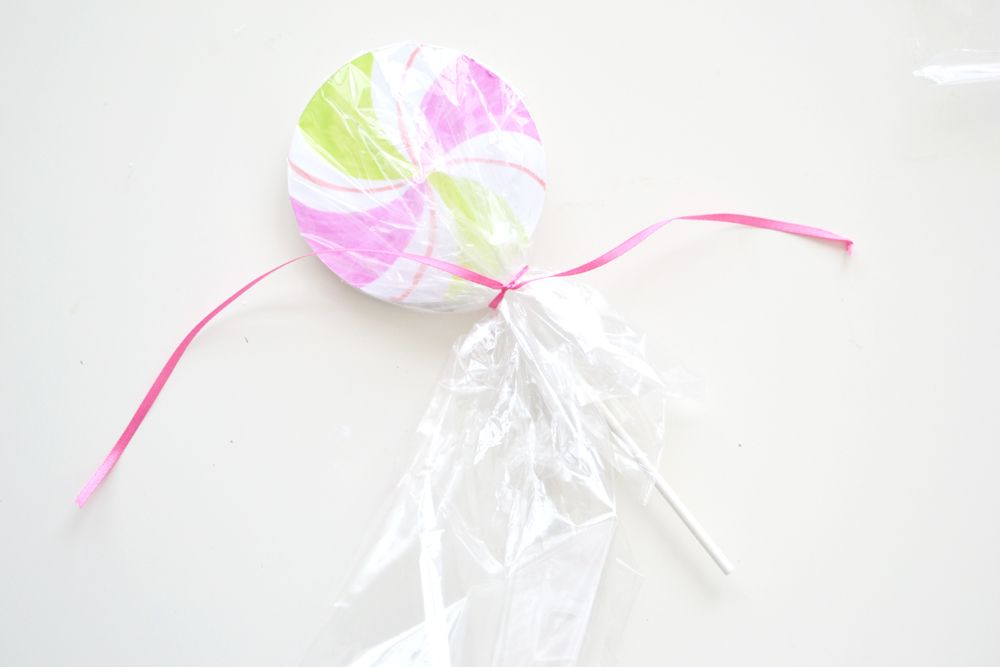 Lollipop party invitations ribbon