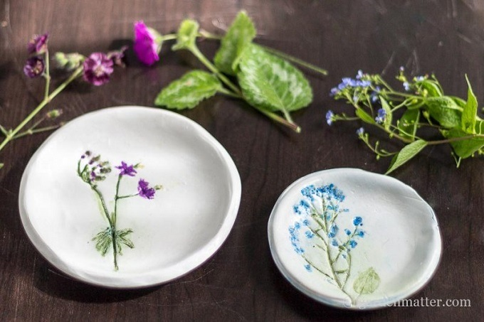 Pressed flower clay dishes