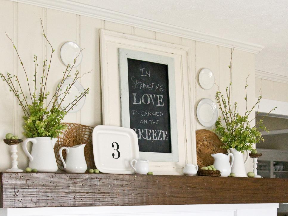Seasonal chalkboard fireplace decor idea