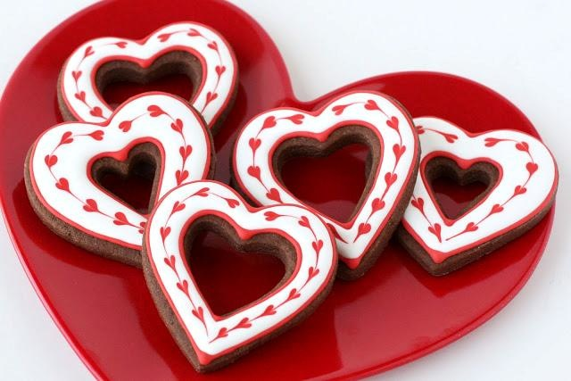 Valentine's coloured icing