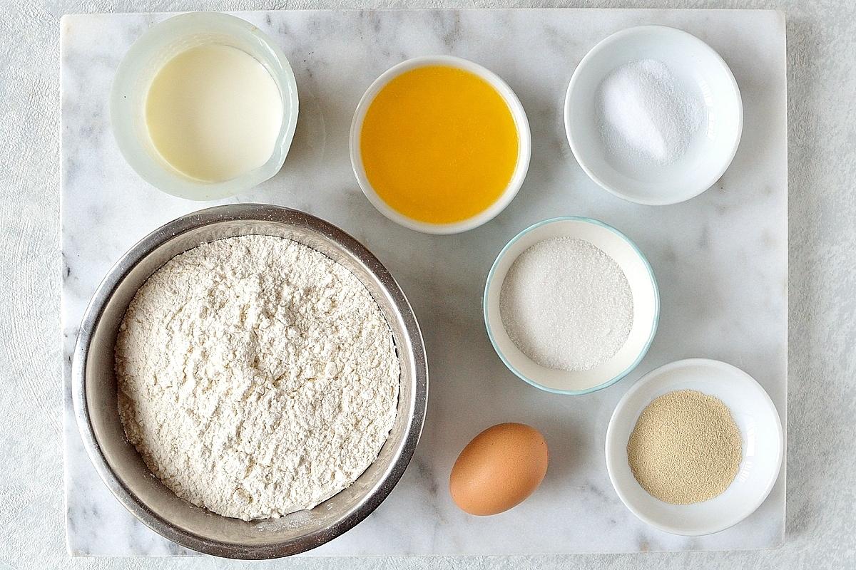 Apple cinnamon pull apart bread dough ingredients