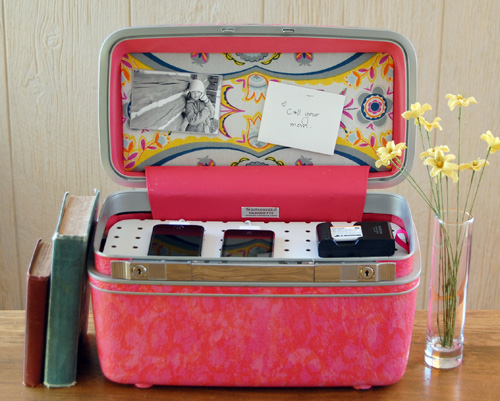 Diy charging station suitcase