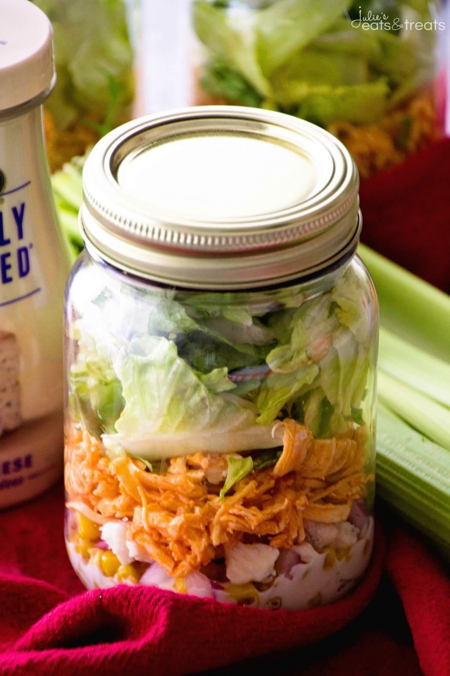 Buffalo chicken jar salad