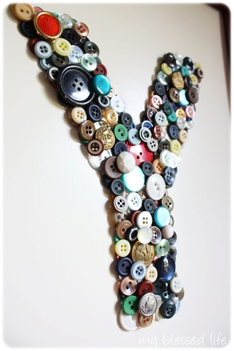 Button wall monogram
