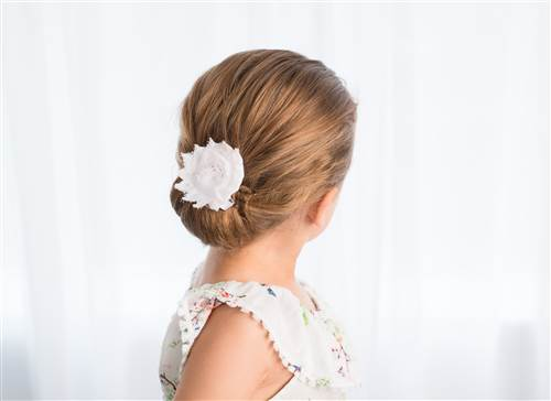 Chignon for toddler hair tutorial