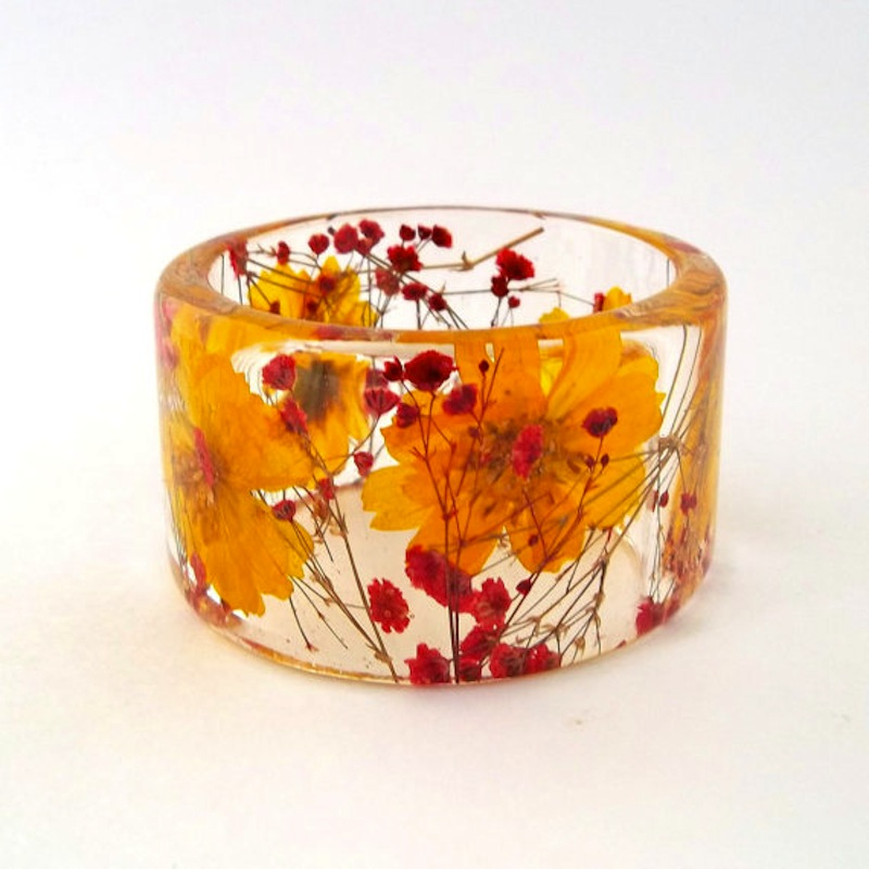 Chunky dried flower resin bangle