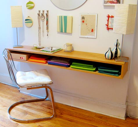 These 18 DIY Wall Mounted Desks Are The Perfect Space-Saving Solution