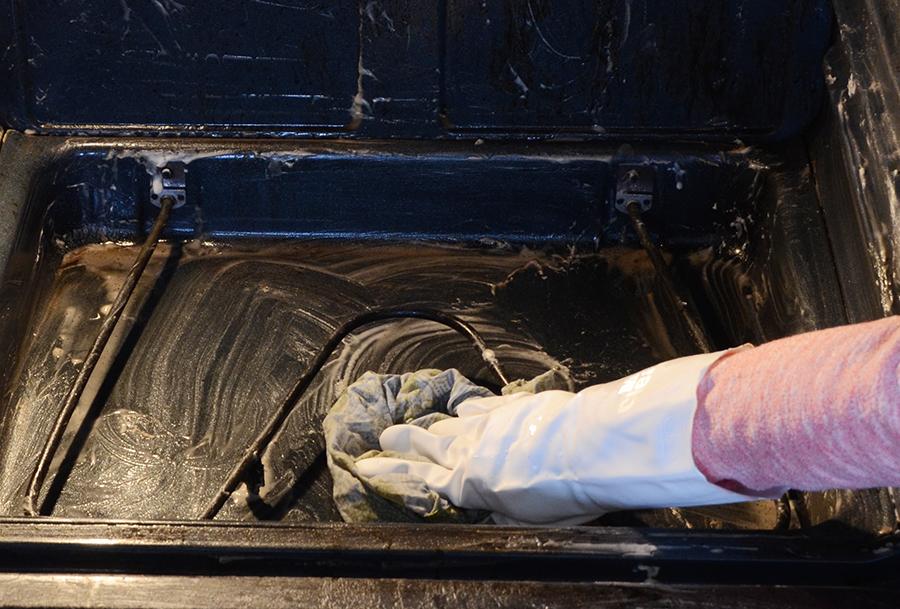 Diy oven cleaner step 5