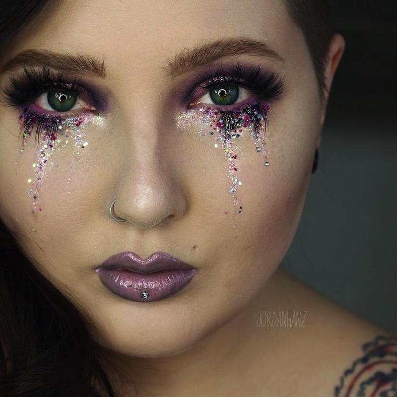 Edgy glitter tears
