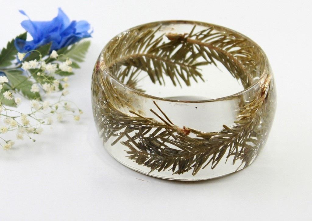 Fir tree resin ring