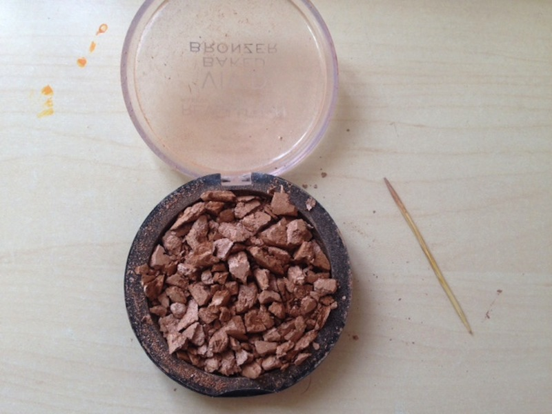 Fix broken powder makeup without alcohol