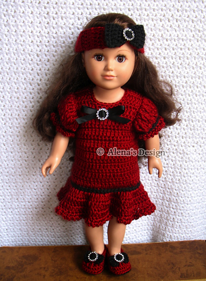 Holiday doll outfit