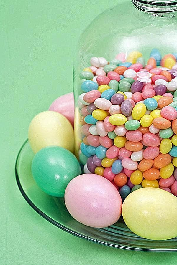 Jellybean jug centerpiece diy
