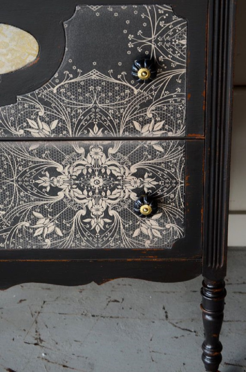 Lace dresser drawers