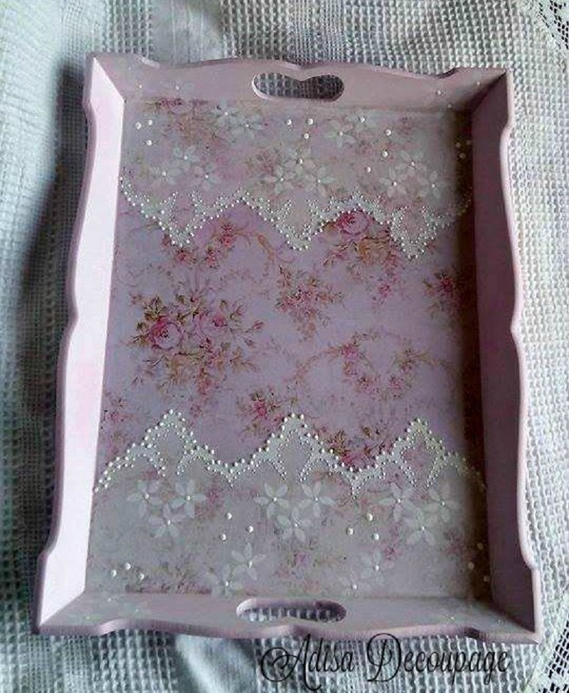 Lace serving tray