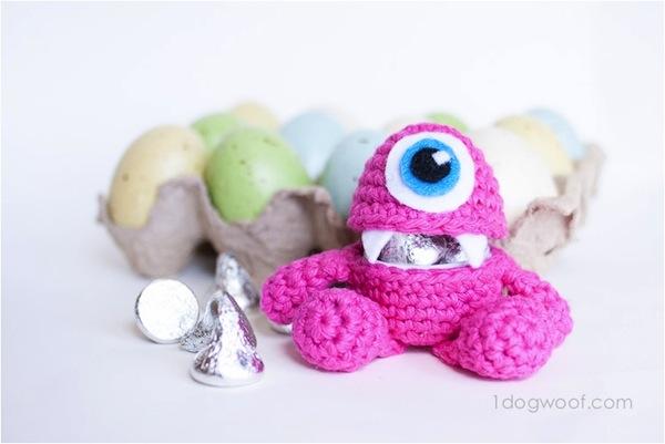 Little monster easter egg holder