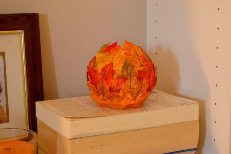 Maple leaf decorative candle holder