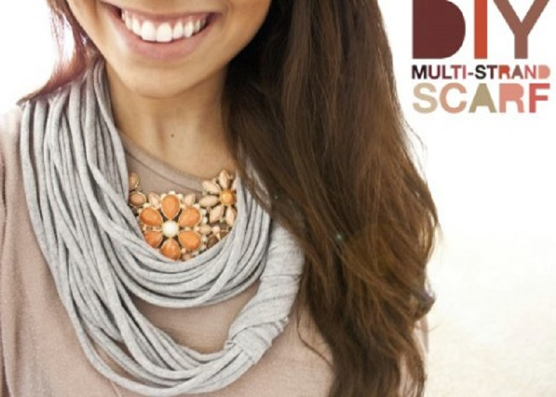Multi stand scarf