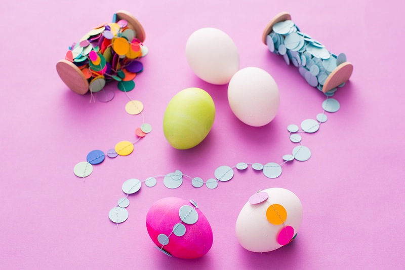 Paper garland for your easter eggs diy