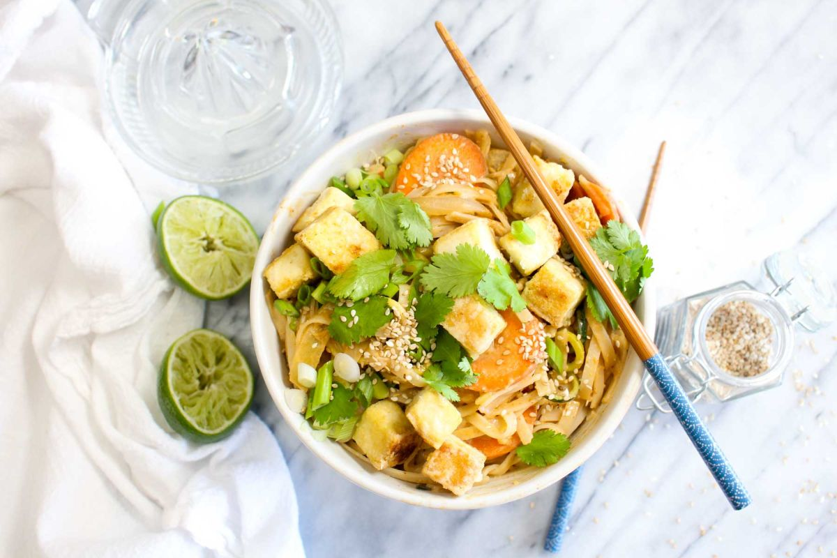 Peanut sauce noodles with crispy tofu