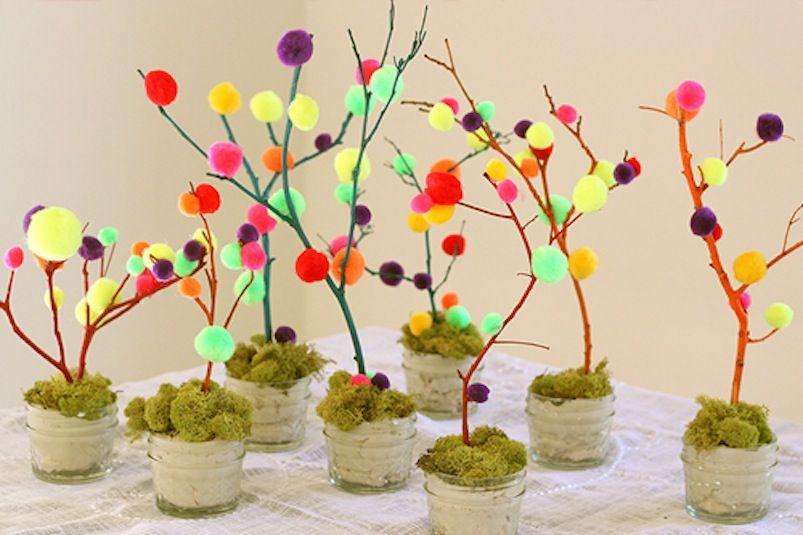 Pom pom easter tree