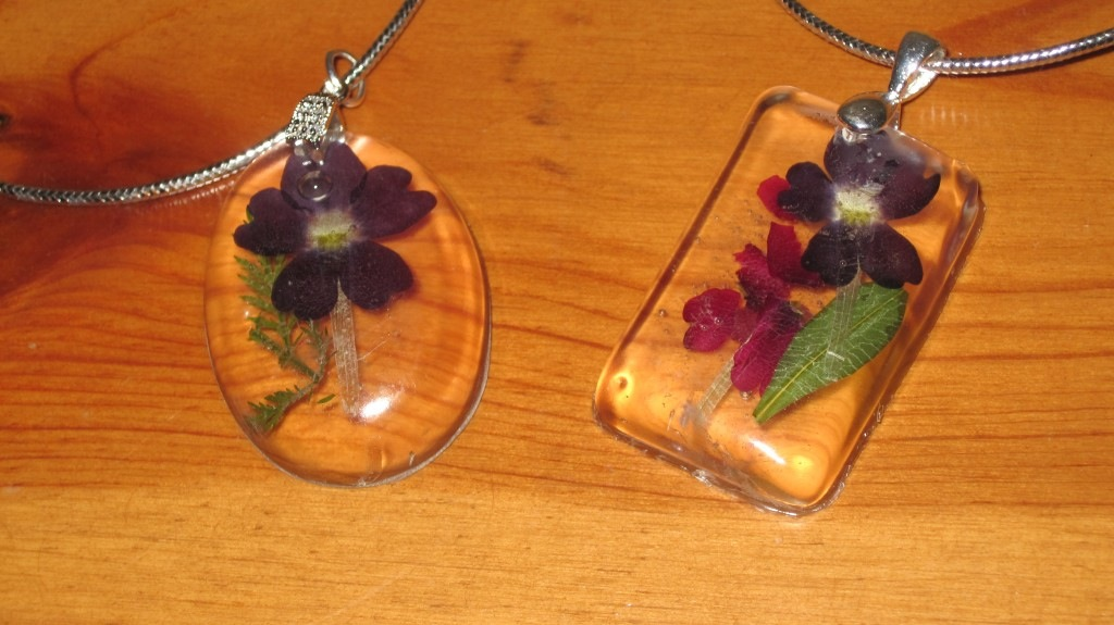 Pressed pansy pendants