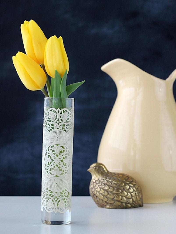 Simple lace vase